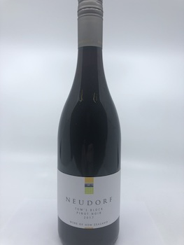 Pinot Noir: Neudork Tom's Block Nelson Pinot Noir 2017 (Vegan Friendly)